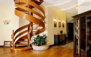 Винтовая лестница своими руками из дерева: видео
