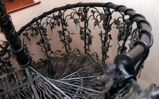 Кованная лестница — элементы ковки