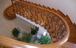 Поручни для лестницы: виды, крепление. Видео монтажа