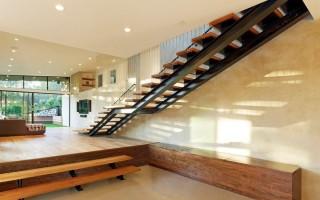 Виды лестниц на второй этаж в частном доме