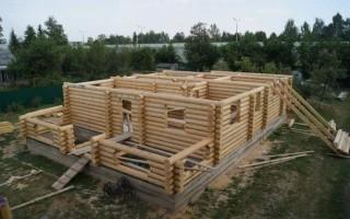 Фундамент под деревянный дом: критерии выбора