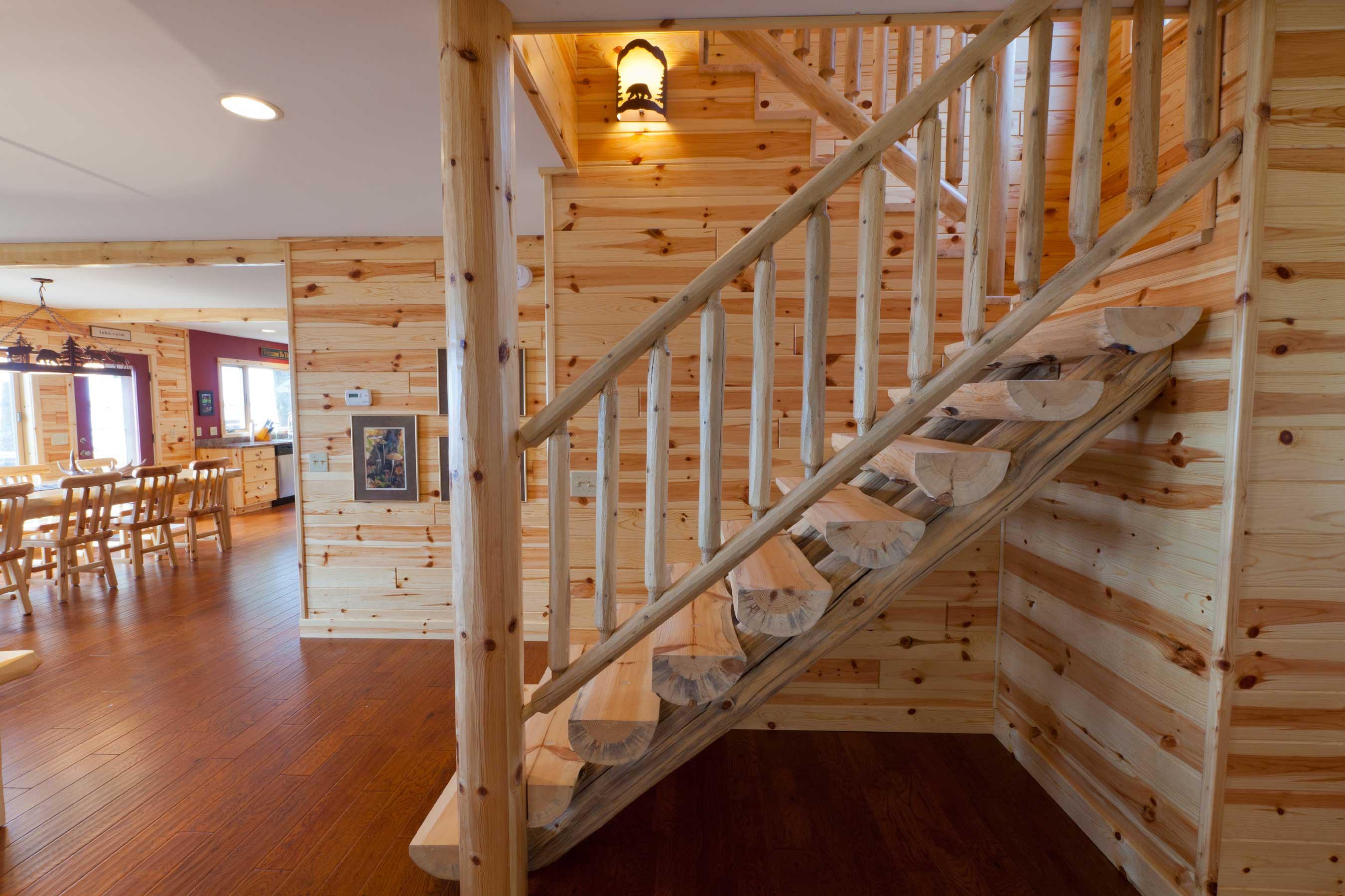 Лестница из бревен
