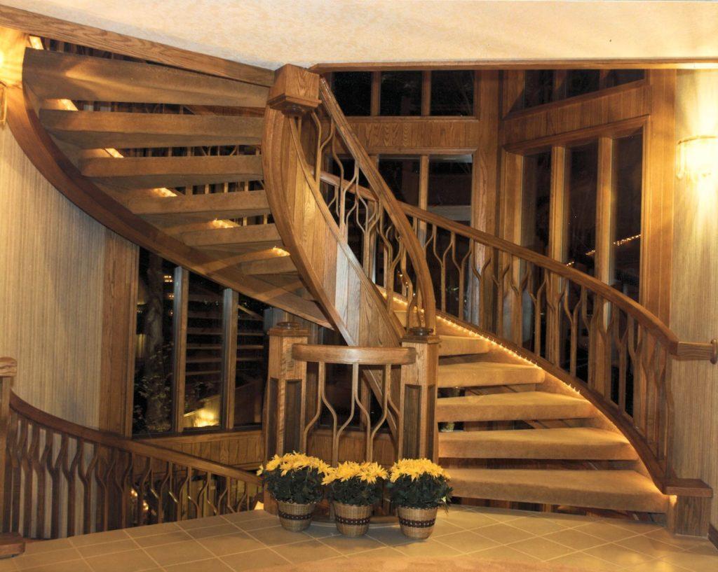 покрашенная лестница