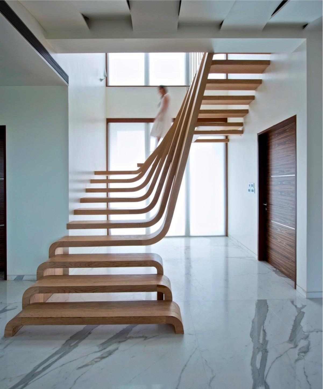 внутренняя лестницу