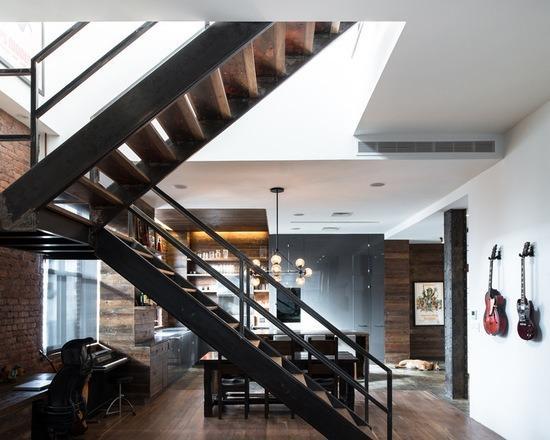 П-образная лестница в стиле лофт