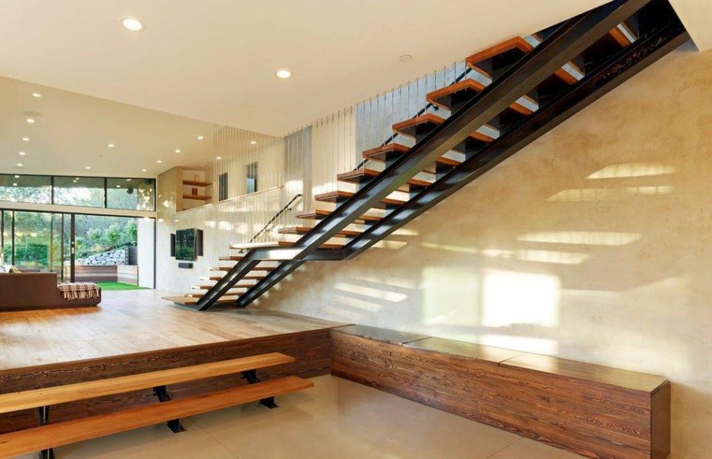 прямая лестница в стиле лофт