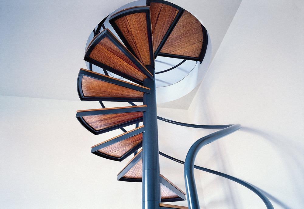корпусная винтовая лестница