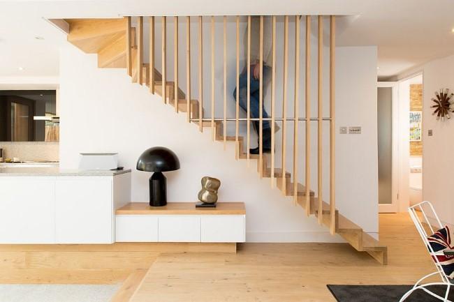 прямая лестница в скандинавском стиле