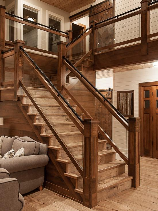 Г-образная лестница в стиле шале