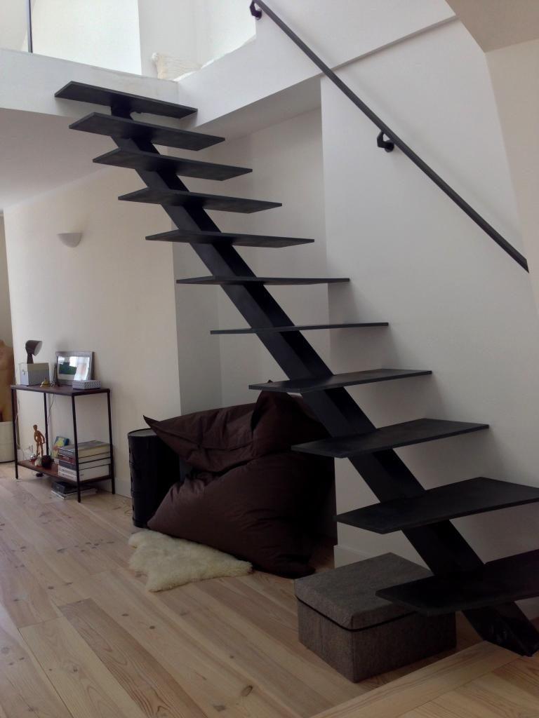 дизайн лестницы на металлическом каркасе