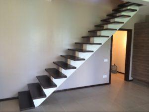маршевые лестницы на металлокаркасе