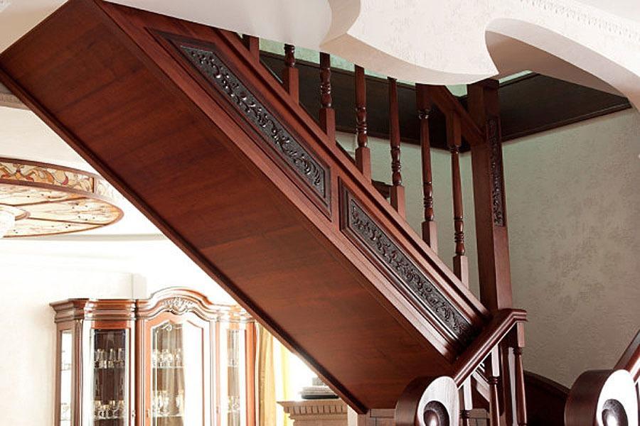 обшить бетонную лестницу деревом
