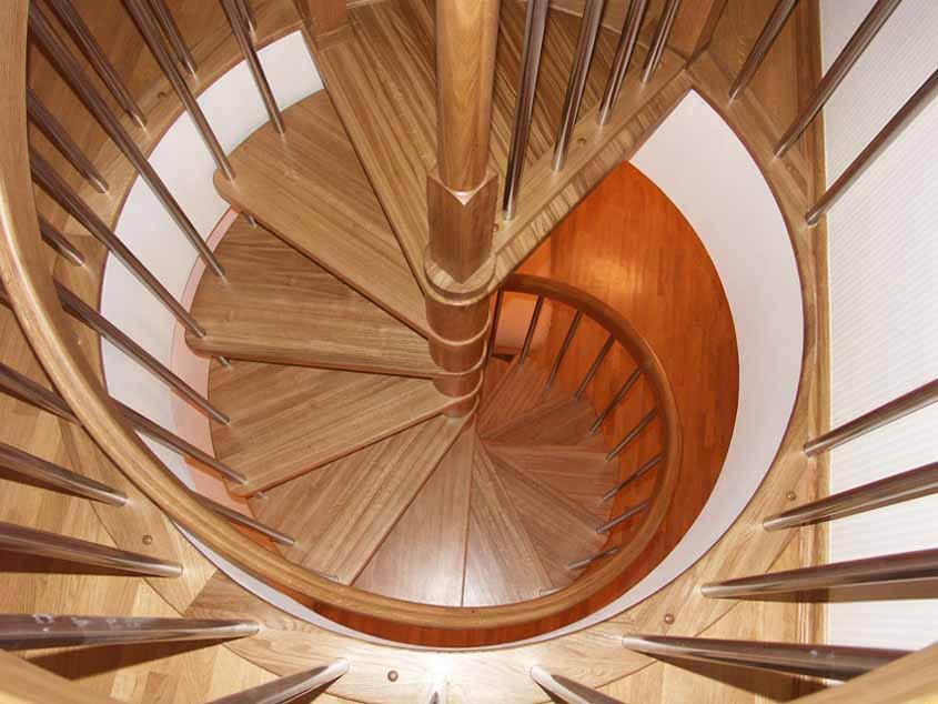 винтовая лестница с забежными ступенями