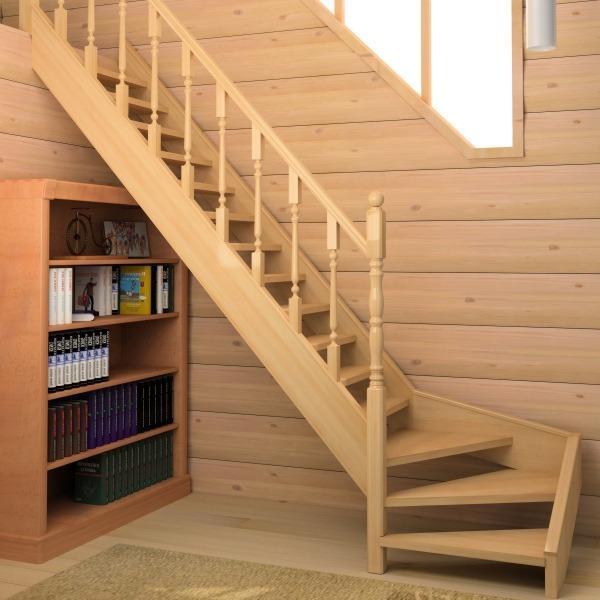 открытые ступени деревянной лестницы
