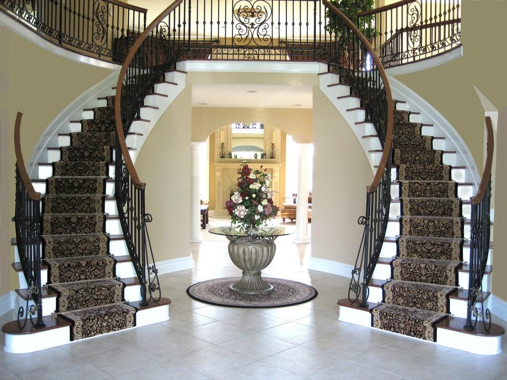 двойная изогнутая лестница