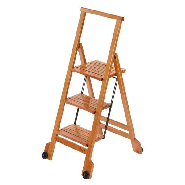 деревянные стремянки с широкими ступенями