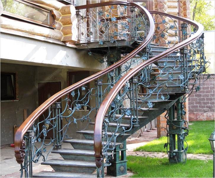кованые лестницы со сложным узором