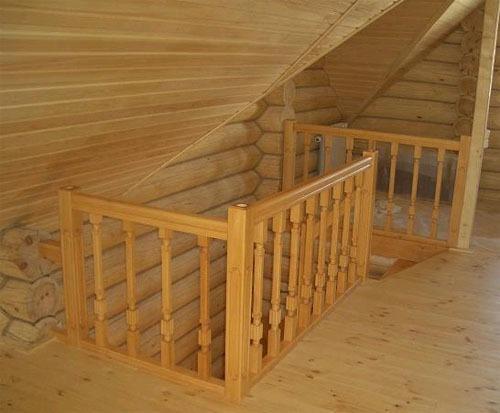 ограждение деревянной лестнцы