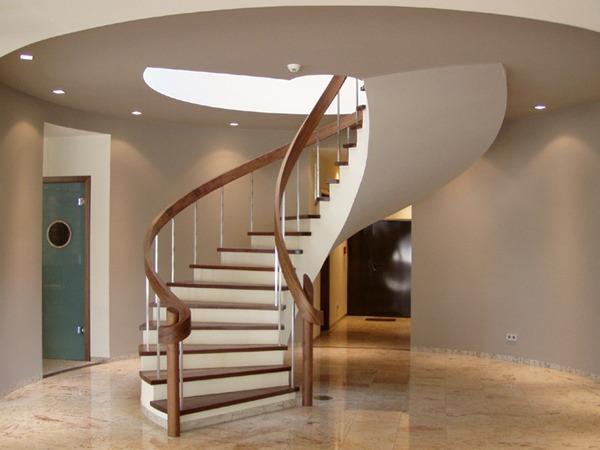 винтовая лестница на косоуре