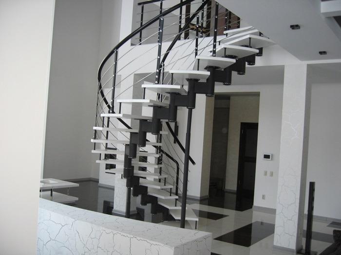 модульная металлическая винтовая лестница