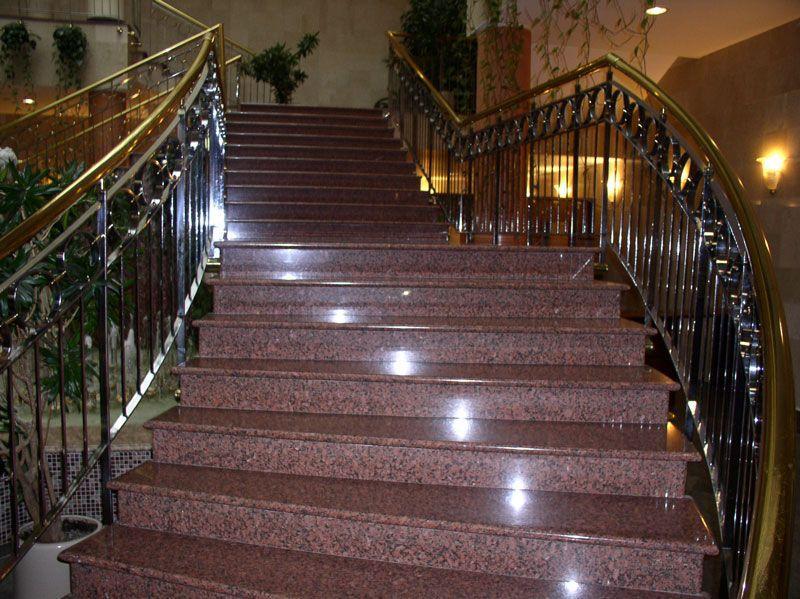 облицовка гранитом бетонной лестницы