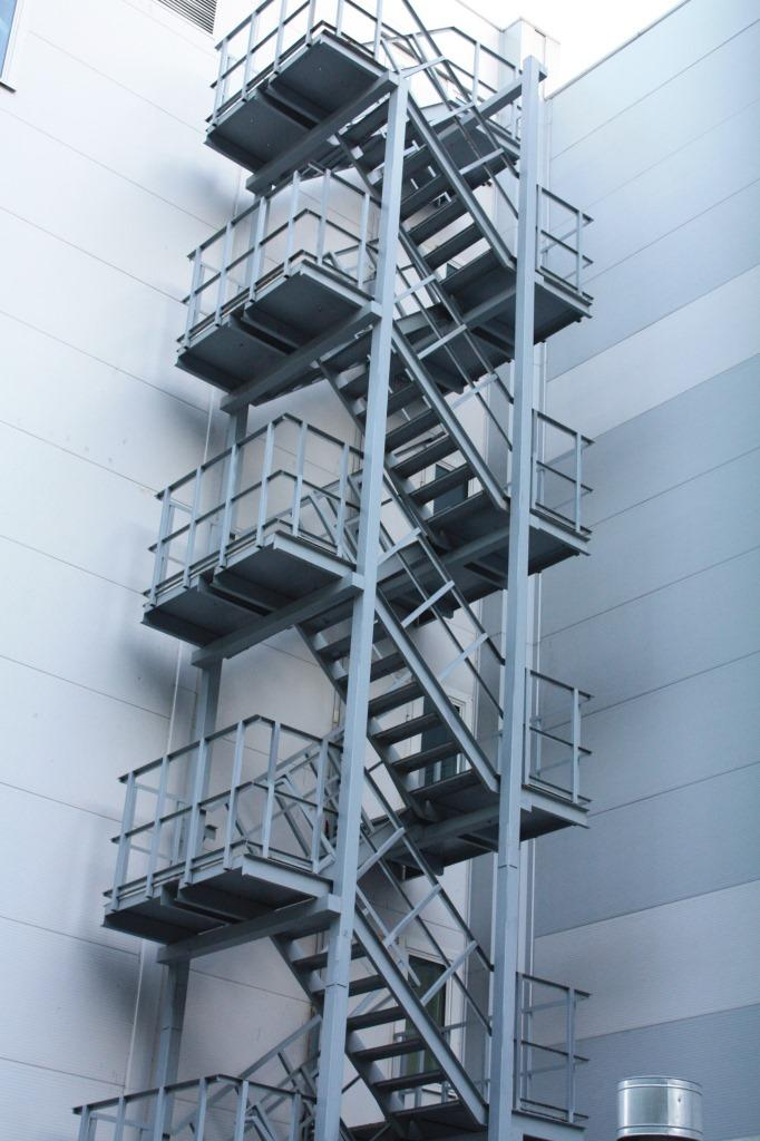 пожарная маршевая лестница