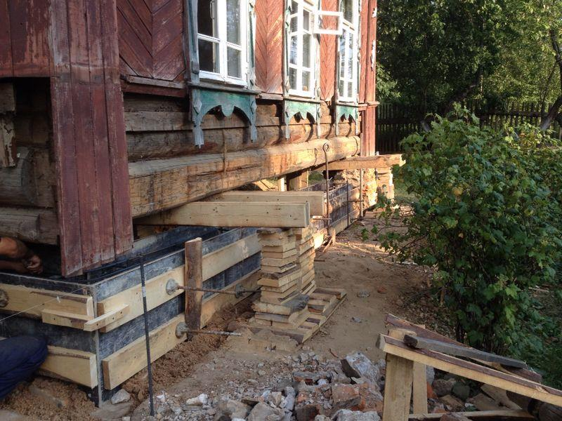 Поднять фундамент деревянного дома