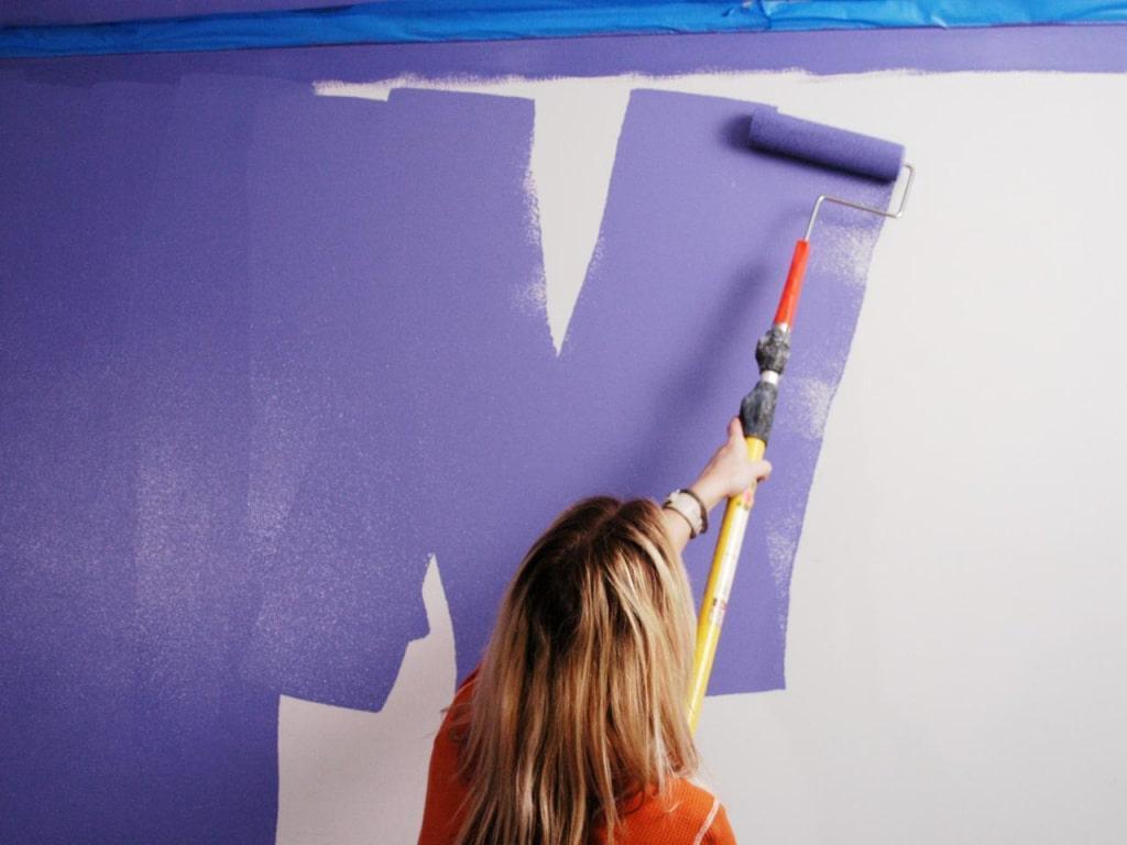 Покраска стен с колером